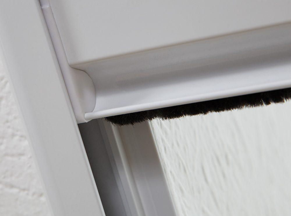 Sonnenschutz-Dachfenster-Plissee_hecht international GmbH