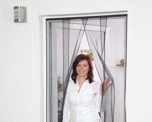 lamellenvorhang f r t ren hecht international. Black Bedroom Furniture Sets. Home Design Ideas