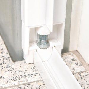 insektenschutz doppelschiebetuere detail 2 hecht international. Black Bedroom Furniture Sets. Home Design Ideas